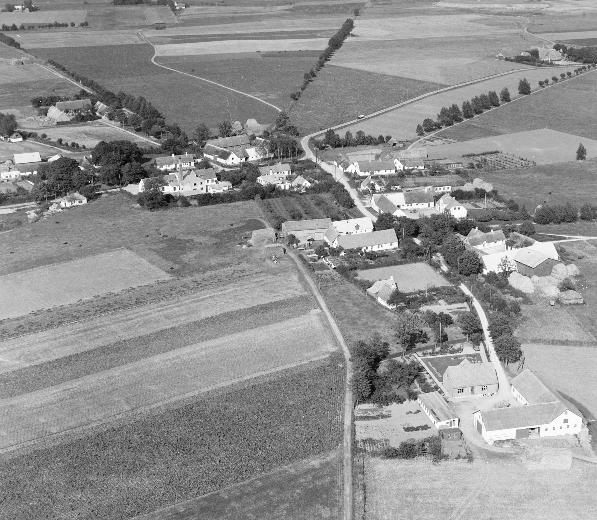 Bårse by omkring 1946, (Danmark set fra luften)